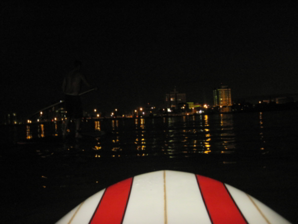 stand-up-paddle-surf-supsurf-noite